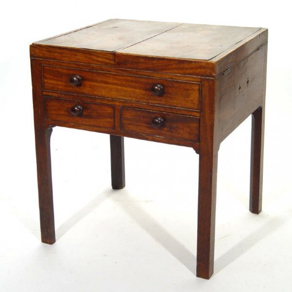 15: Victorian mahogany commode with lift up top above a