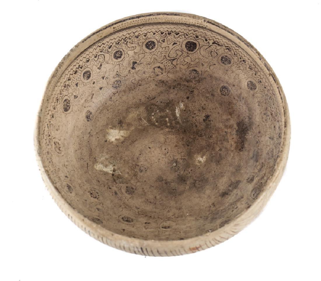 Pre-Columbian Pottery Tripod Bowl - 2