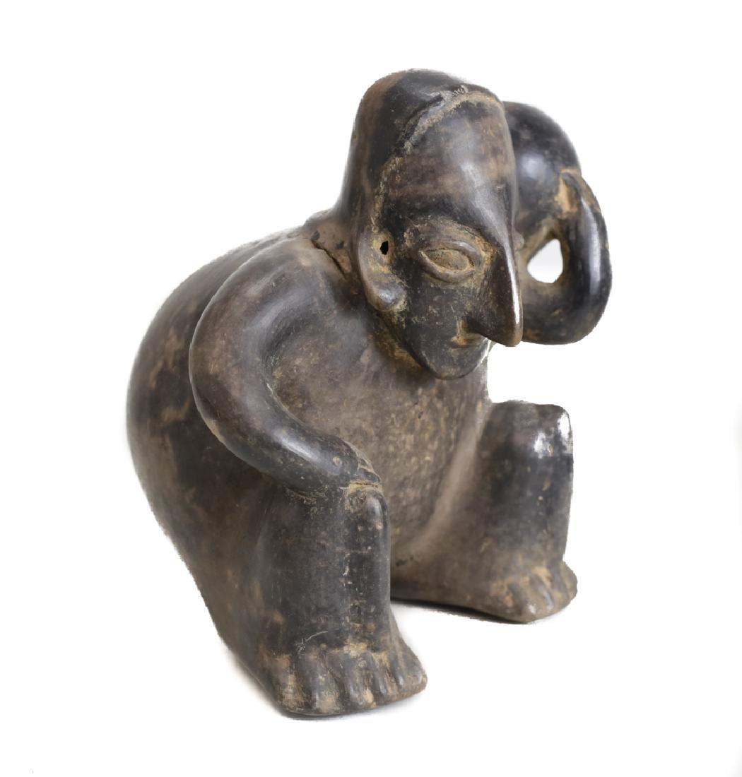 Pre Columbian Pottery JALISCO Hunchback figure - 2