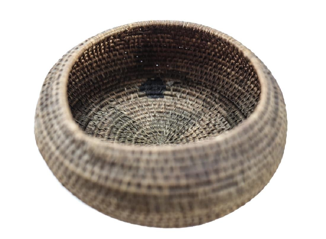 Native American Basket, coiled low bowl - 3
