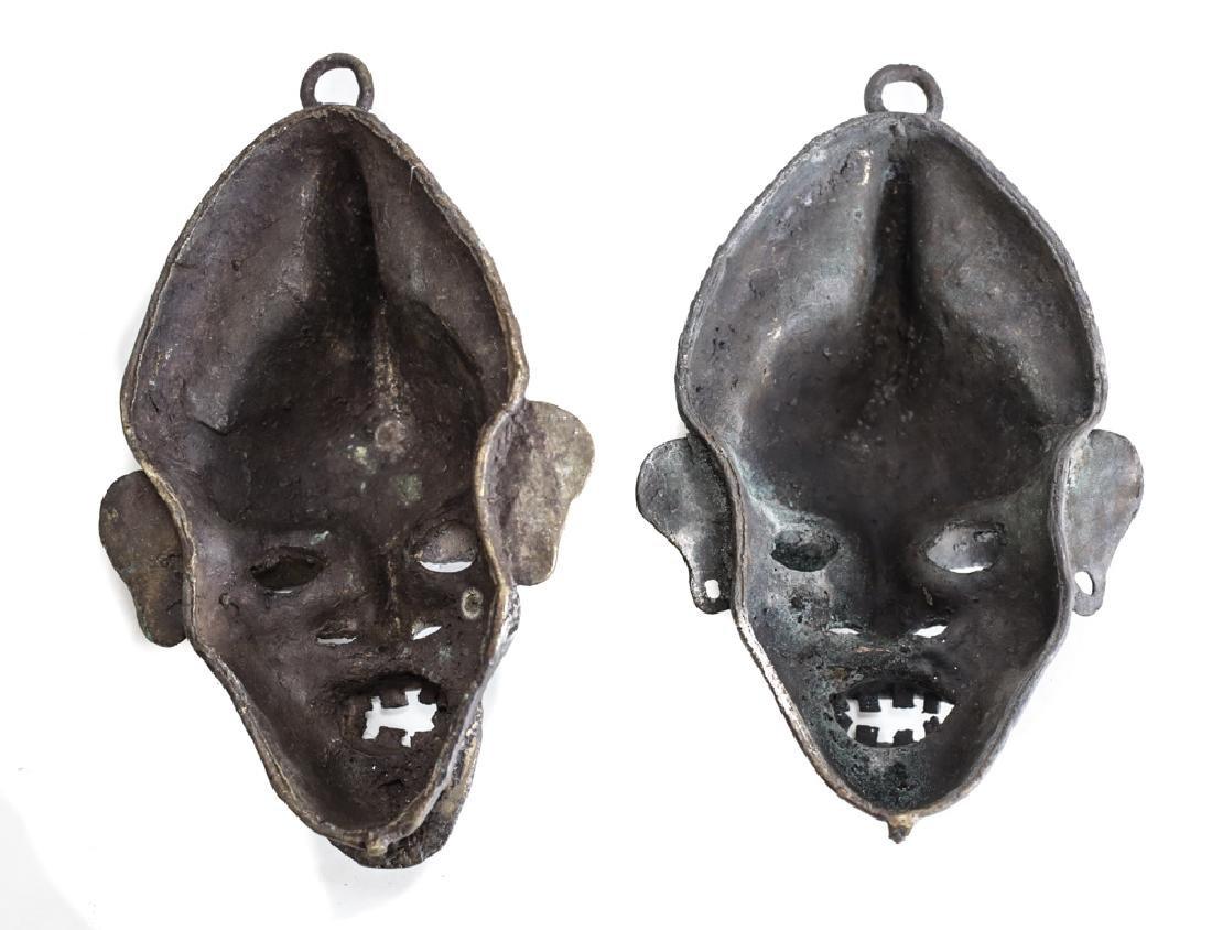 pair of African Bronze Mask,  Cast bronze - 3