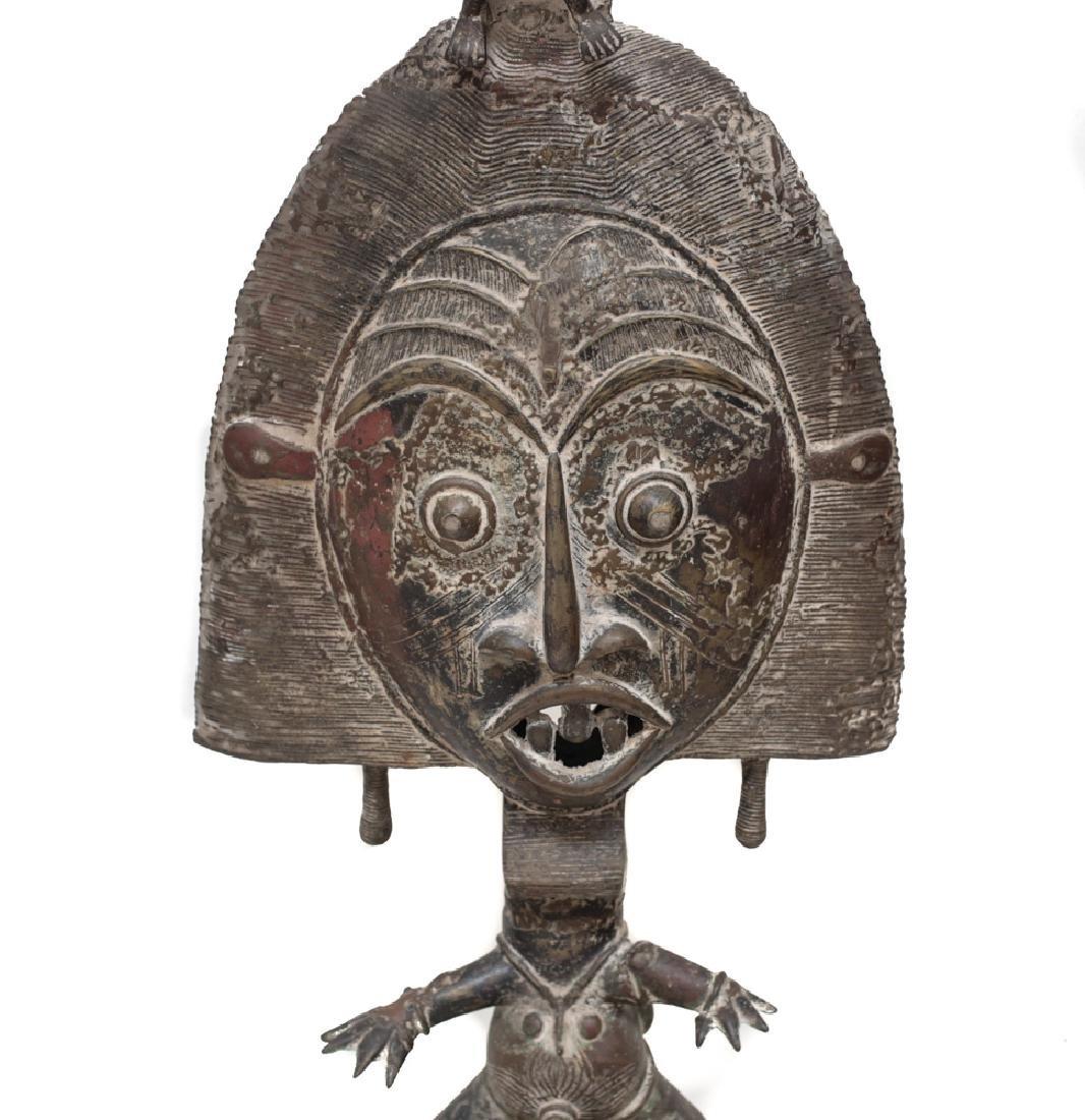 Monumental African Bronze Figure Reliquary Statue - 2