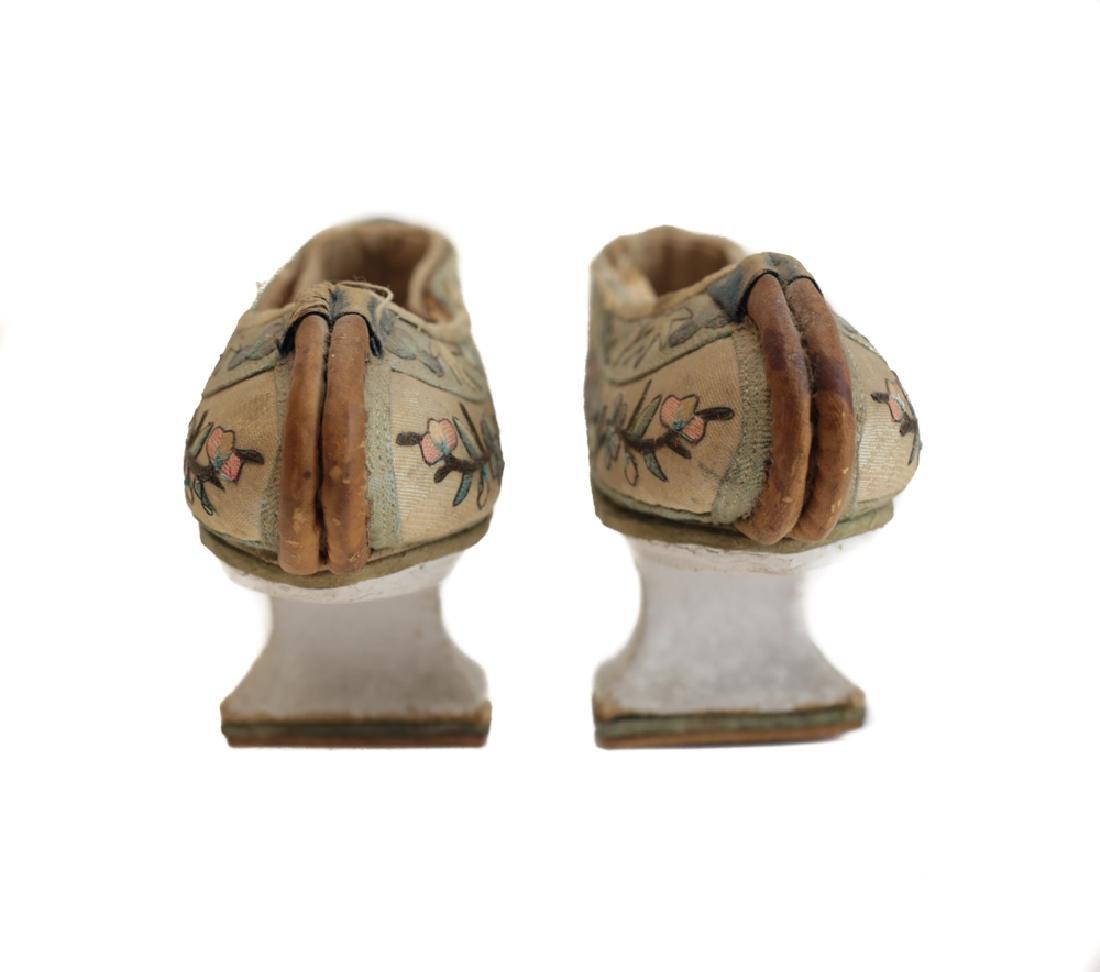 Manchu horse-hoof qipao shoes - 2