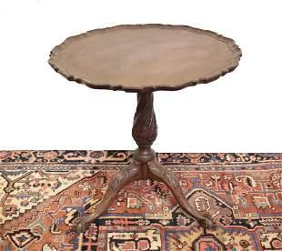 Hardwood chippendale style Pie Crust tilt top tea table
