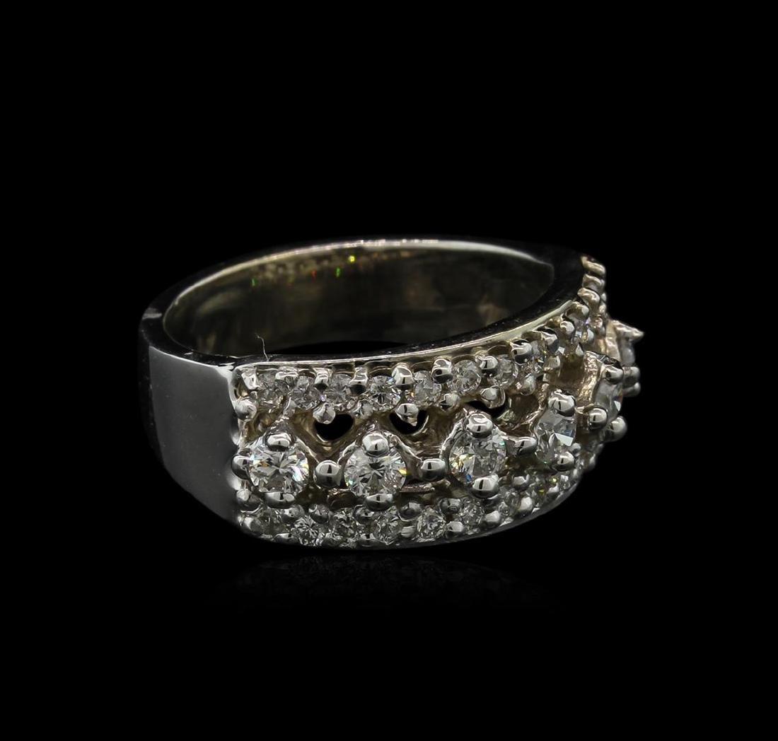 14KT White Gold 0.90ctw Diamond Ring