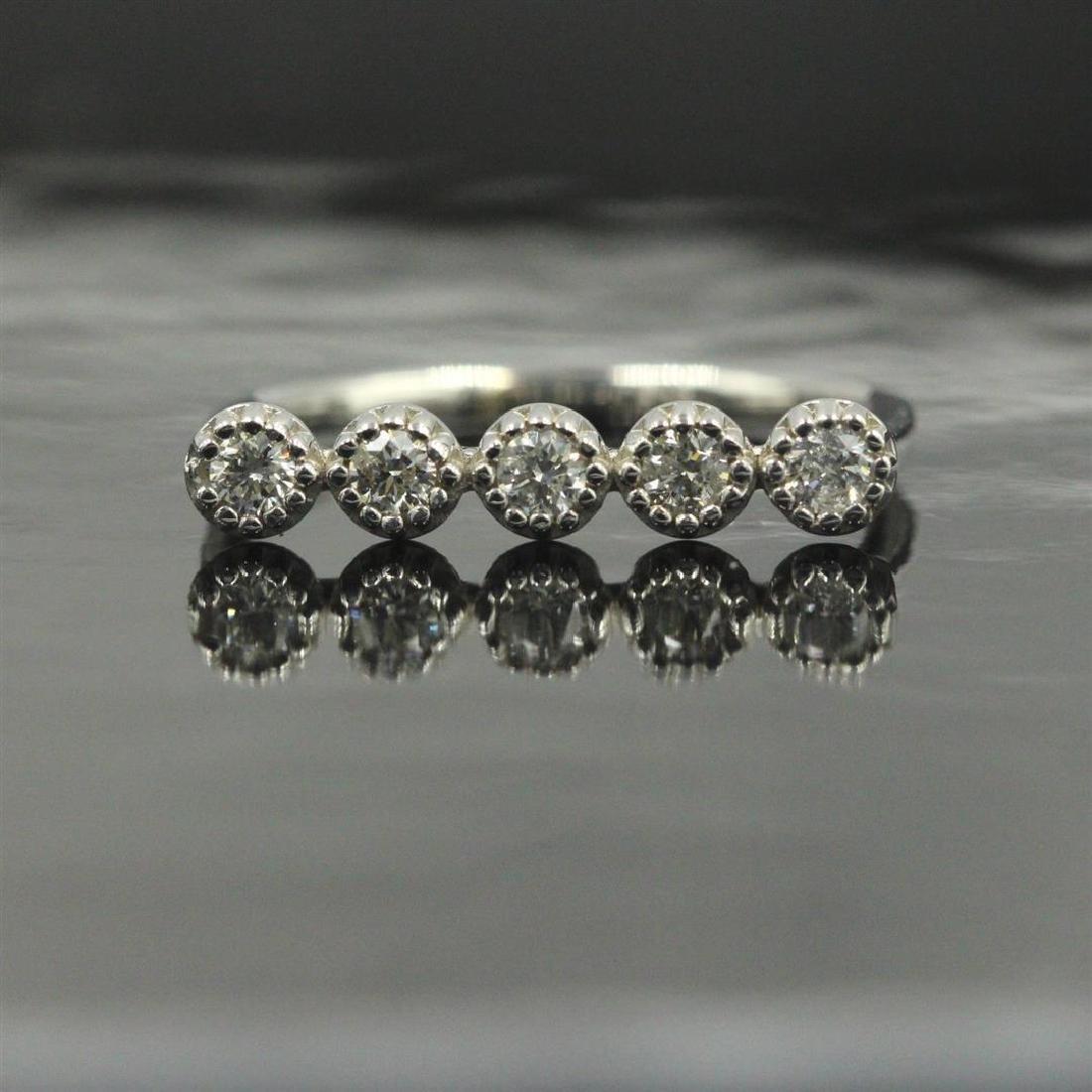 14KT White Gold 0.29 ctw Round Cut Diamond Ring