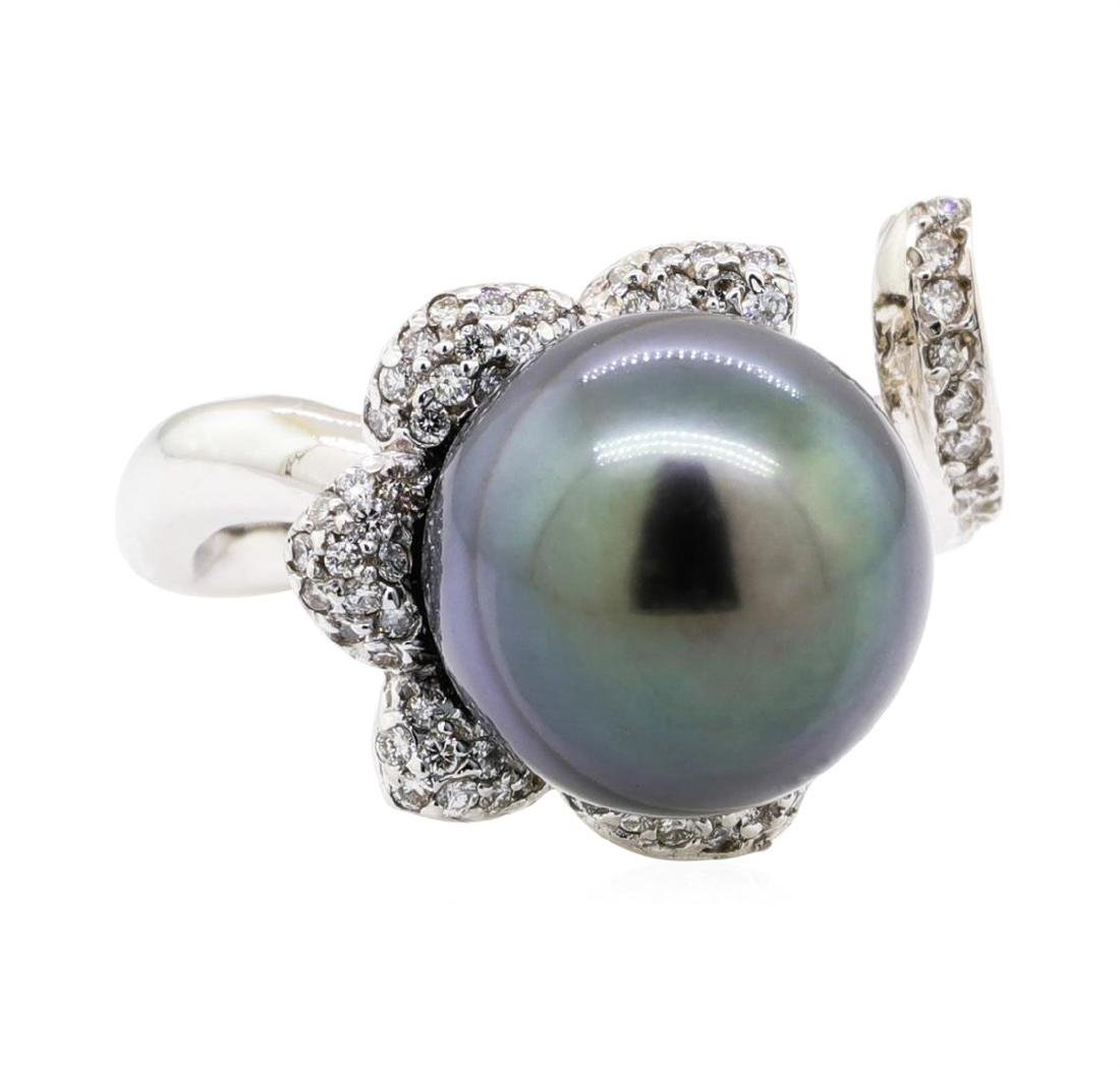 18KT White Gold 0.46 ctw Diamond and Tahitian Pearl