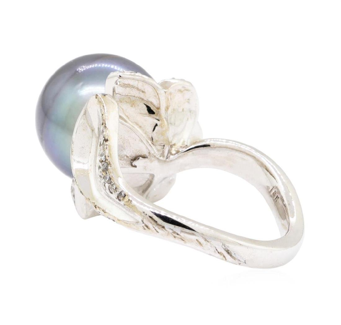 18KT White Gold 0.46 ctw Diamond and Tahitian Pearl - 3