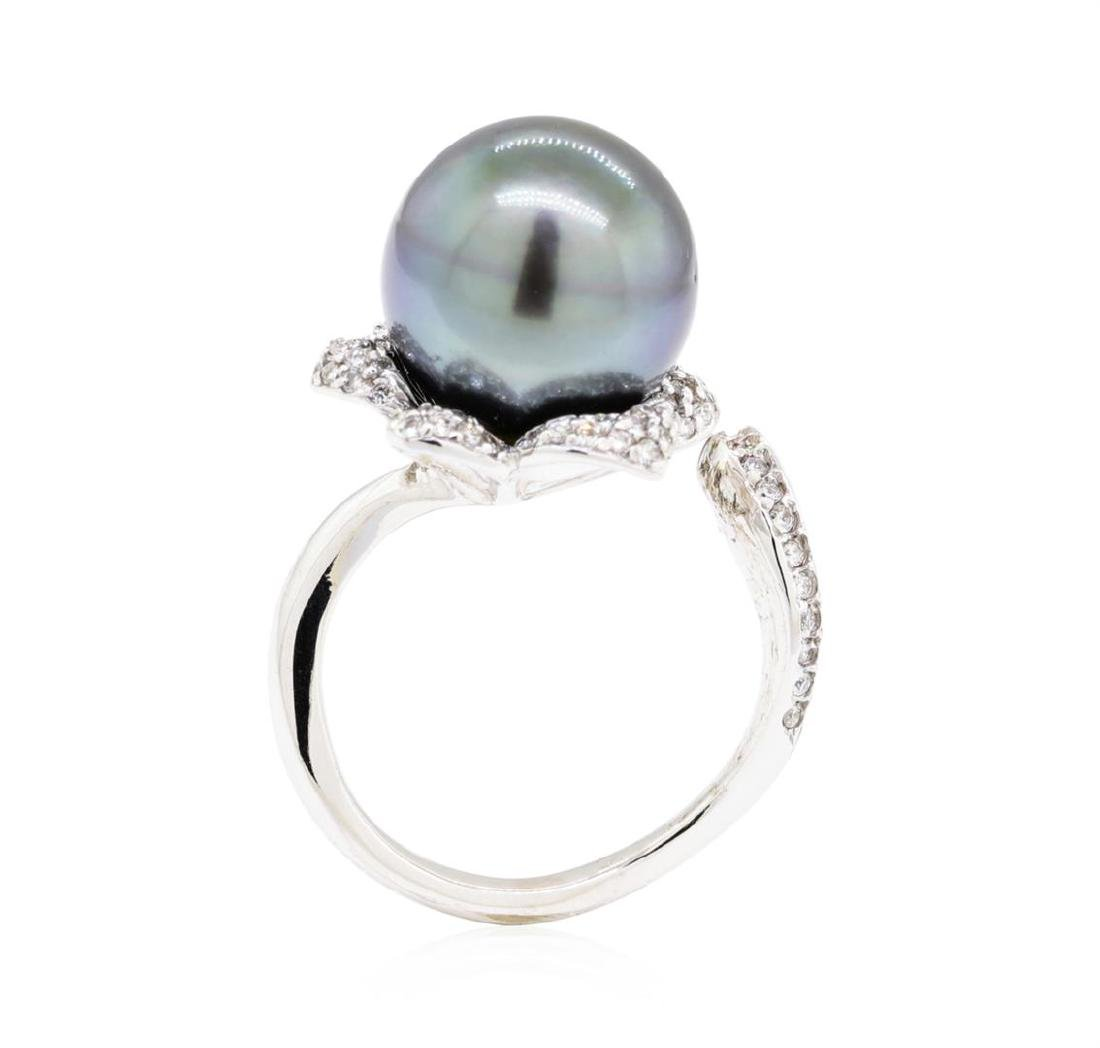 18KT White Gold 0.46 ctw Diamond and Tahitian Pearl - 4