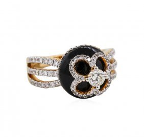 18kt Rose Gold Black Agate And 0.98ctw Diamond Ring
