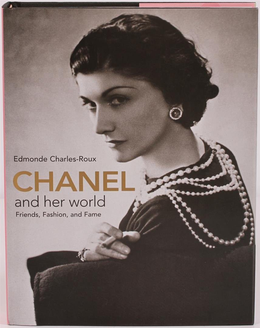 Chanel and Her World: Friends, Fashion and Fame Coffee