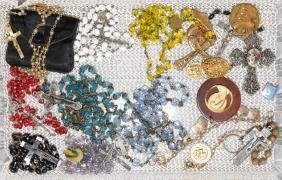 19pcs ASSORTED RELIGIOUS LOT - Includes rosaries,