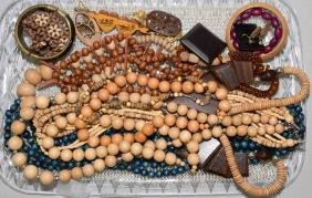 19pcs ASSORTED WOODEN JEWELRY - Includes necklaces,