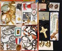 45+pcs ASSORTED COSTUME JEWELRY - Includes bangles,