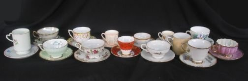 3089: 13 CUPS AND SAUCERS, 1 MUG. (1) Demitasse cup and