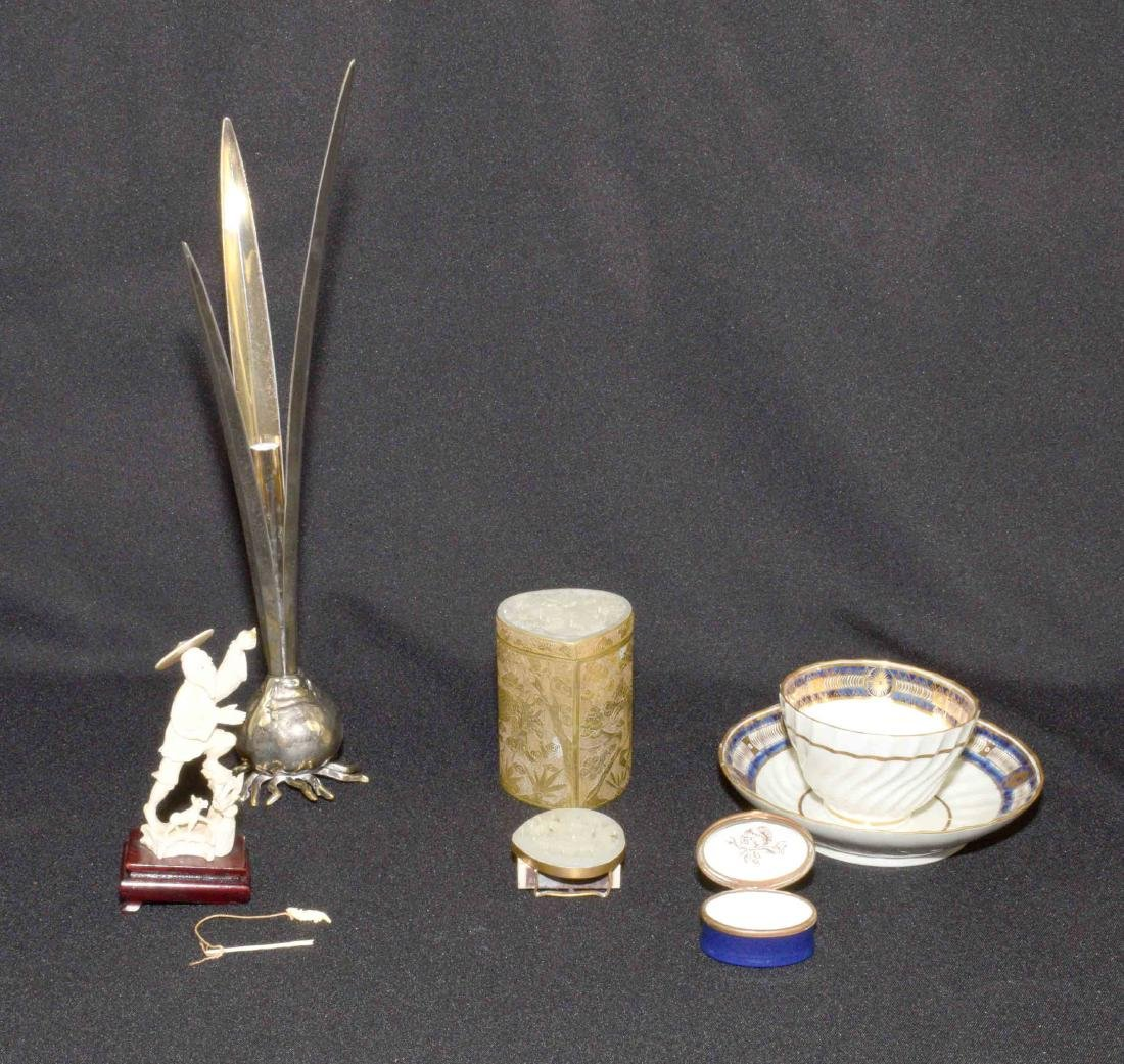 (6 PC.) GROUP OF DECORATIVE OBJECTS. Comprising: