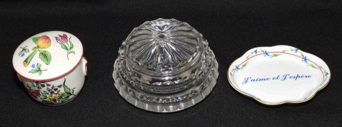 (13PC) GROUP OF DECORATIVE OBJECTS. Comprised: - 13