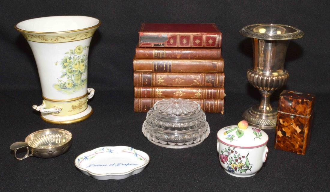 (13PC) GROUP OF DECORATIVE OBJECTS. Comprised: