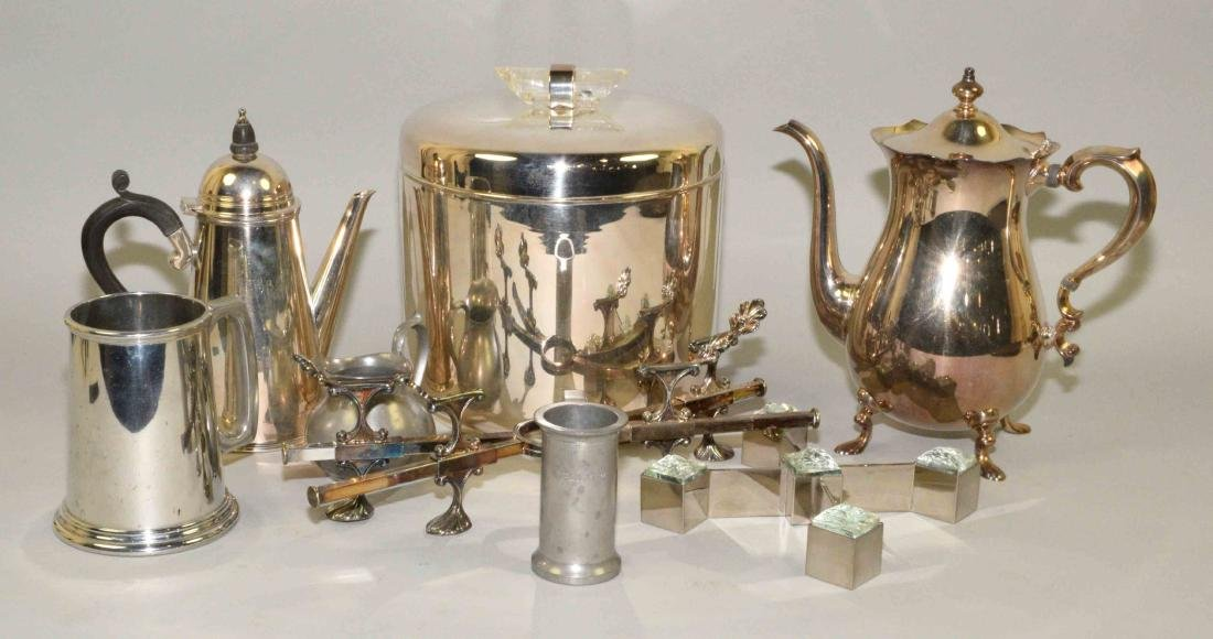 GROUP OF (8) SILVERPLATE AND PEWTER OBJECTS.