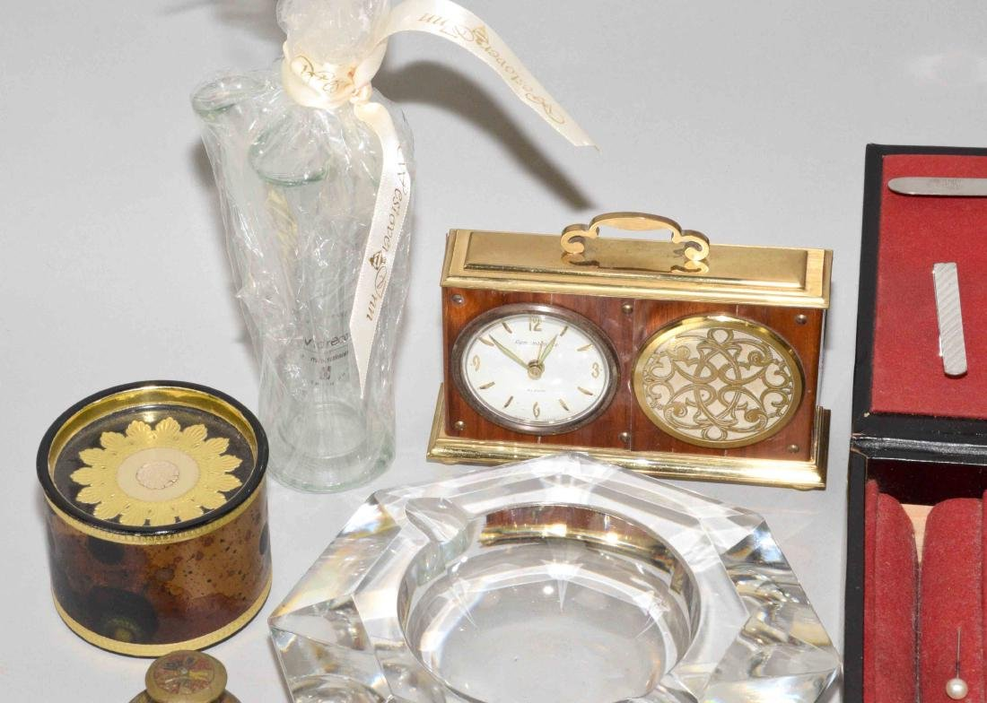 GROUP OF (16) DECORATIVE OBJECTS, comprising: (2) - 2