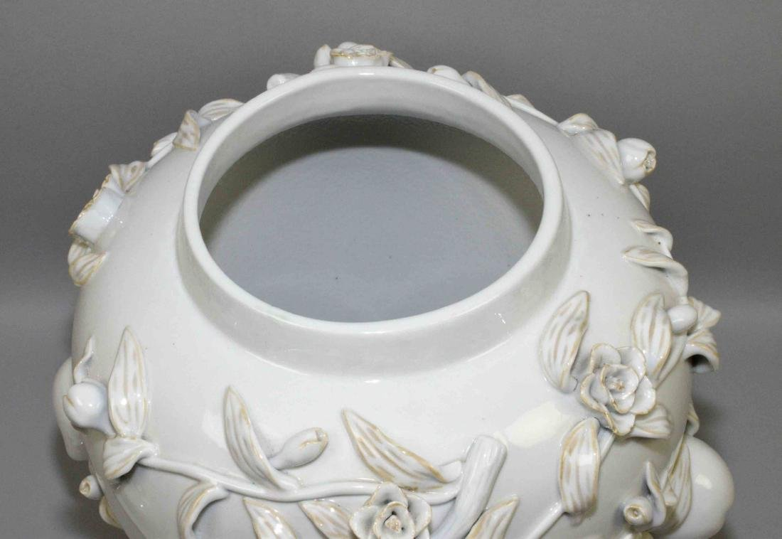 WHITE CHINESE PORCELAIN DECORATIVE LIDDED URN with - 5
