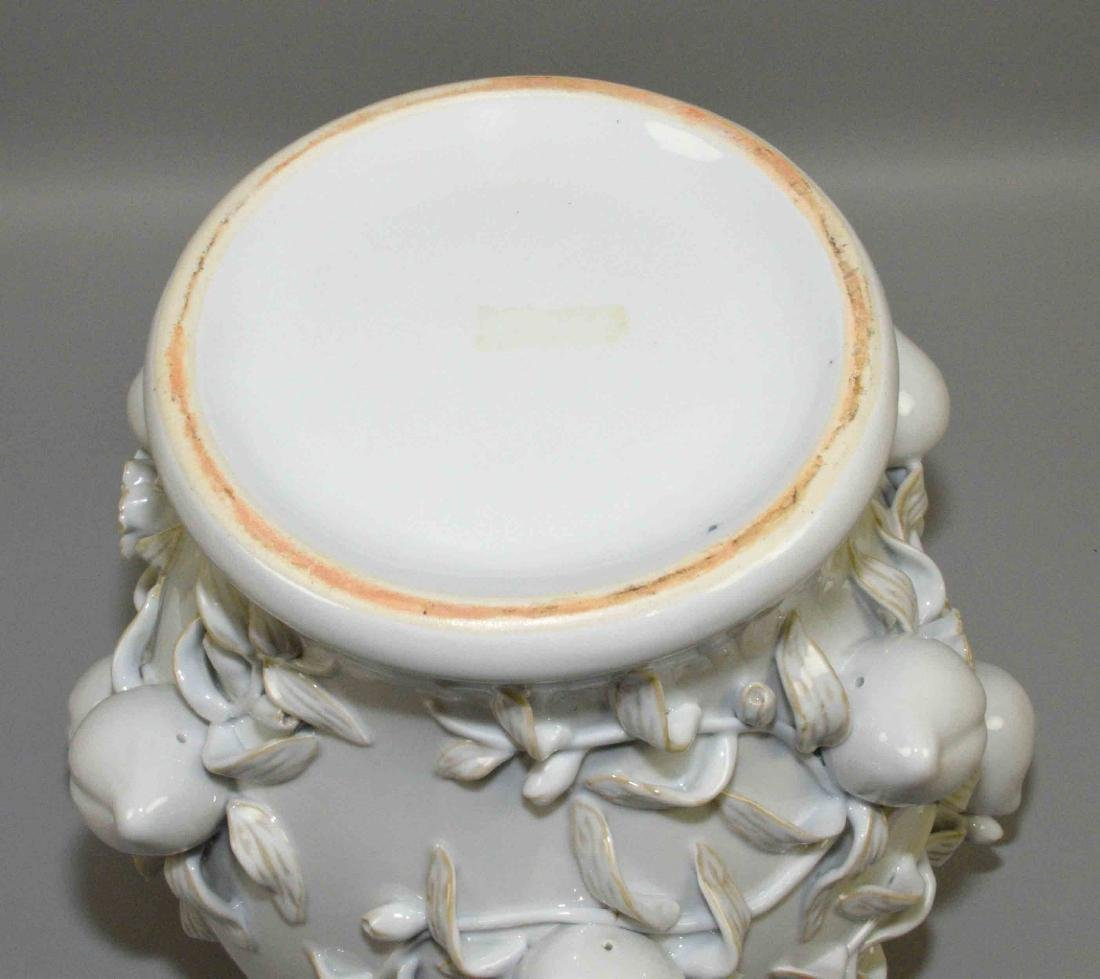 WHITE CHINESE PORCELAIN DECORATIVE LIDDED URN with - 6