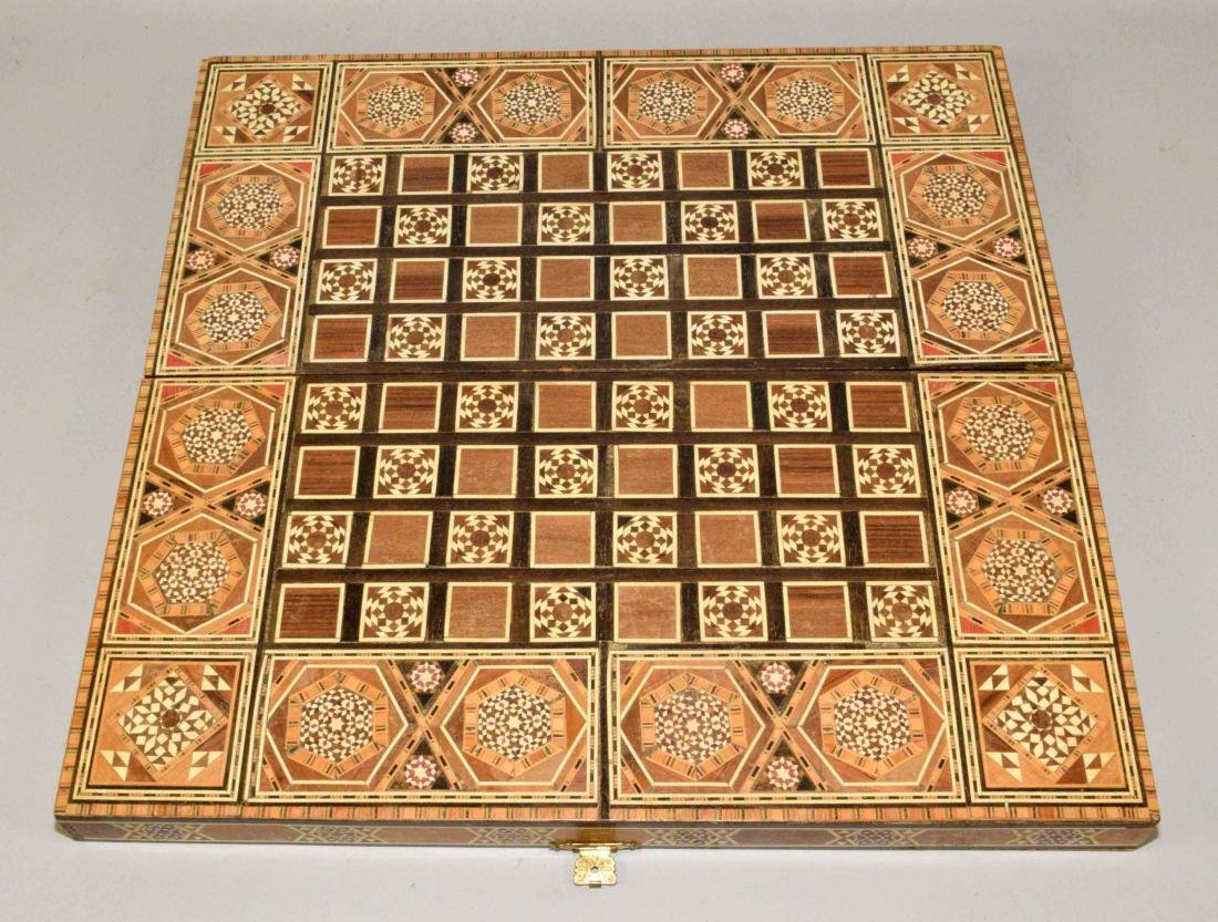 EXQUISITE BACKGAMMON AND CHESS BOARD. 18.5''L x - 3