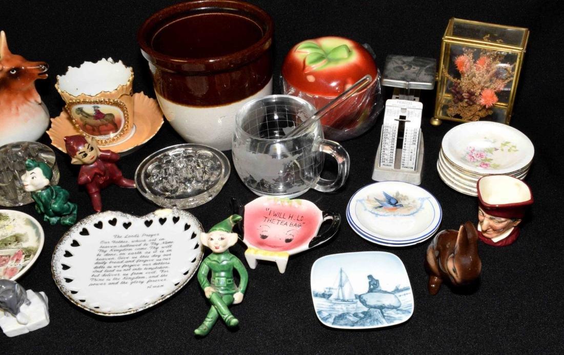 ASSORTED KNICKNACKS. Porcelain, glass, brass, plastic, - 3