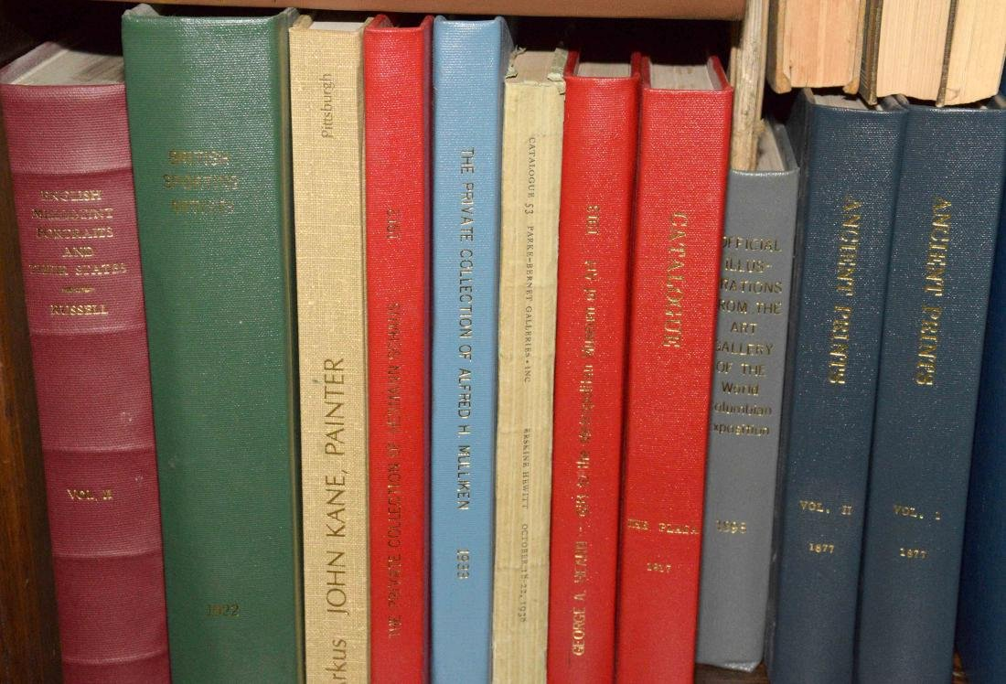 A LARGE COLLECTION OF ART AND ANTIQUE BOOKS. - 6