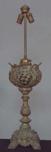 1011: ELECTRIFIED OIL LAMP. Electrified oil lamp base,