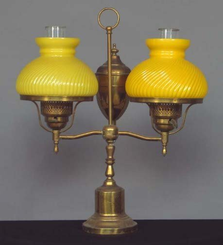1015: ELECTRIC STUDENT OIL LAMP. Electric lamp, brass b