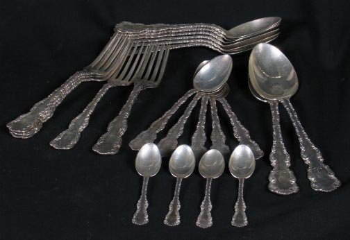 1591: 23 STERLING FLATWARE PIECES. One Whiting Louis XV