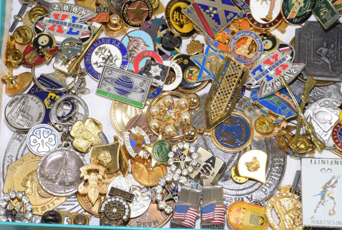 OVER (75) PCS. LARGE ASSORTMENT OF MEN'S JEWELRY: pins, - 2