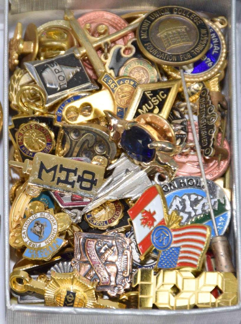 OVER (75) PCS. LARGE ASSORTMENT OF MEN'S JEWELRY: pins, - 4