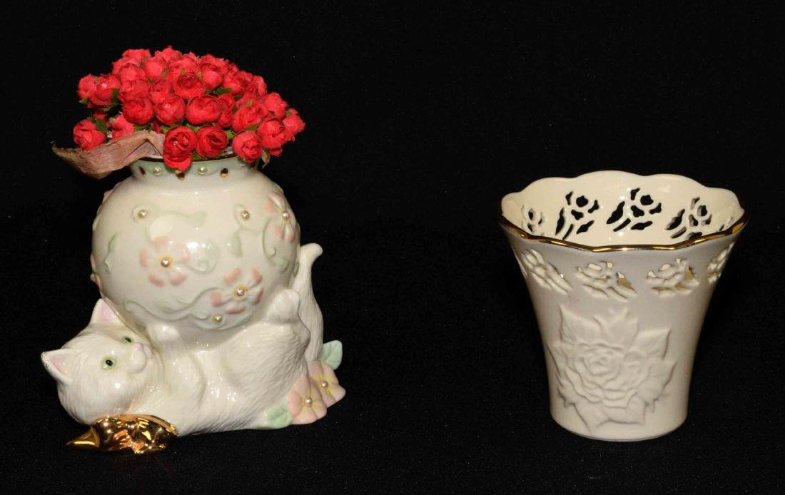 (2) LENOX GOLD ACCENTED BONE CHINA PIECES: cat bud vase
