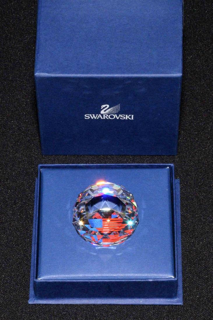 SWAROVSKI CRYSTAL 40 mm. American flag paperweight -