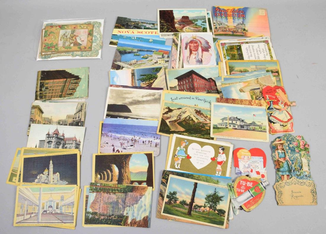 LARGE COLLECTION OF ANTIQUE VALENTINE CARDS.