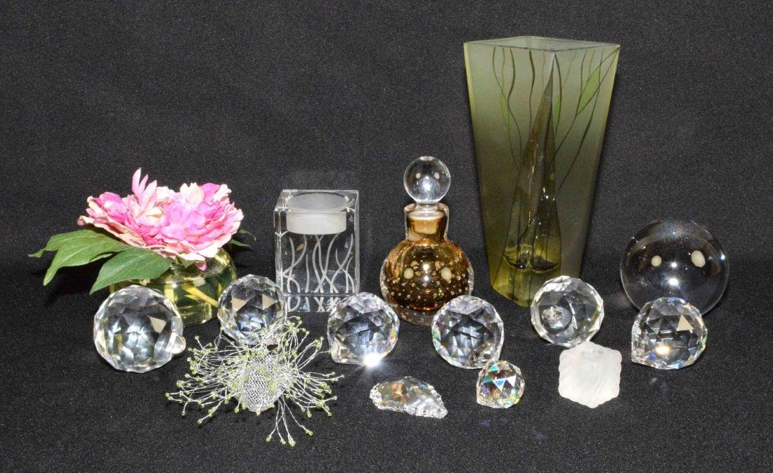 MISC. CRYSTAL COLLECTIBLES including (8) crystal ball