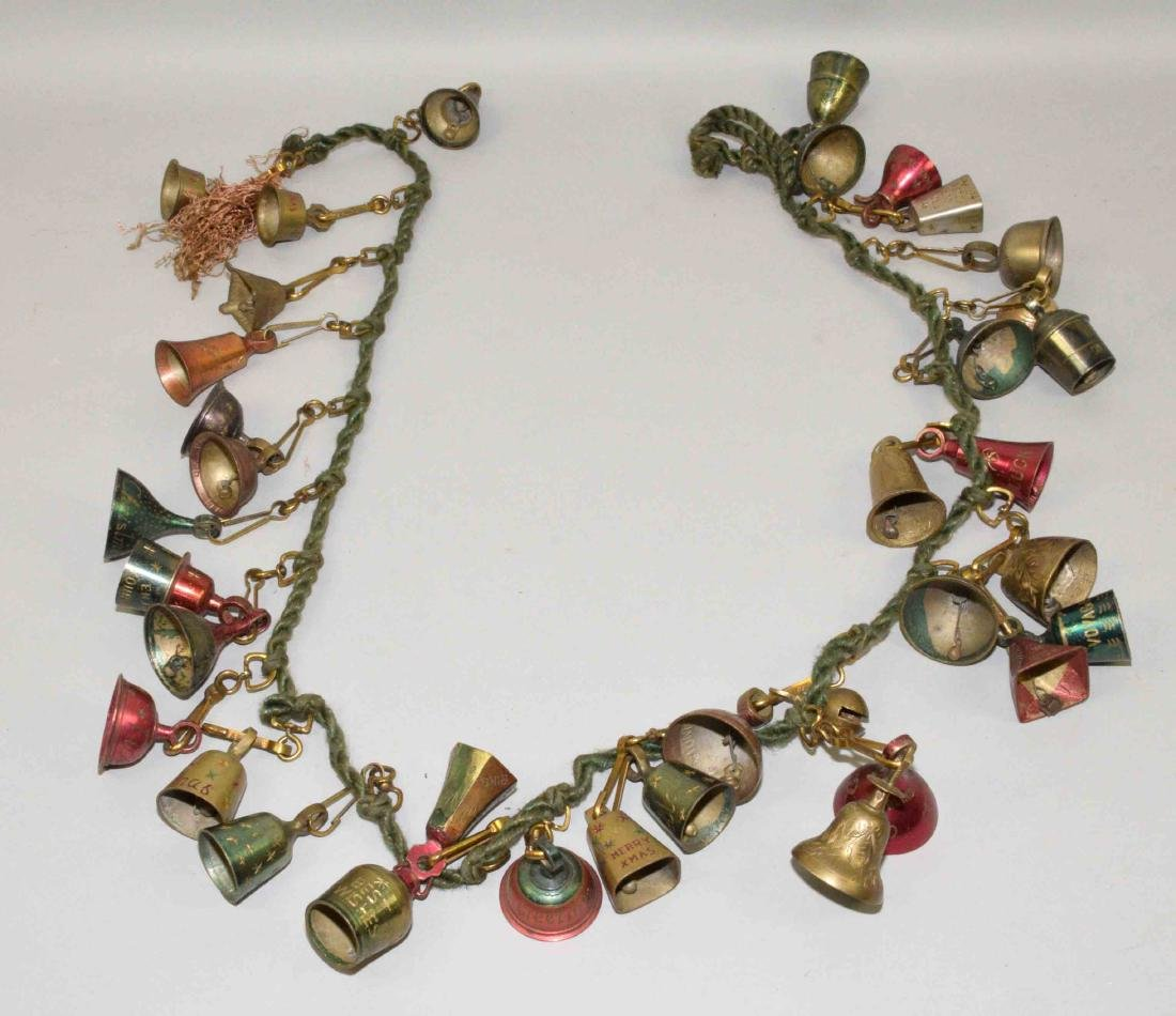 VINTAGE CHRISTMAS GREETING BELL GARLAND, colors red,