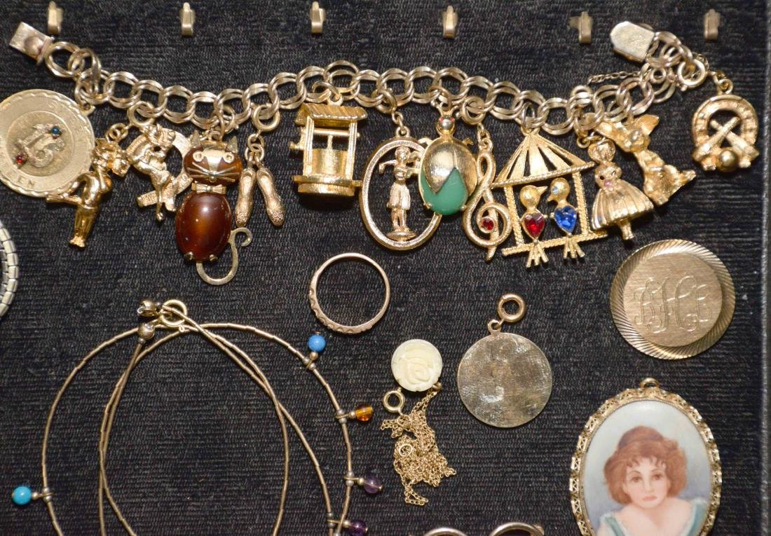 (20) PCS. ASST. LADIES GOLD FILLED JEWELRY. Includes: - 2