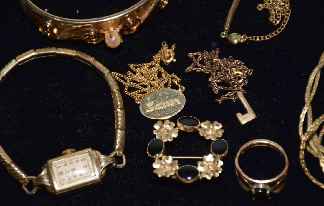 (25+) PCS. ASST. LADIES GOLD FILLED JEWELRY. Includes: - 4