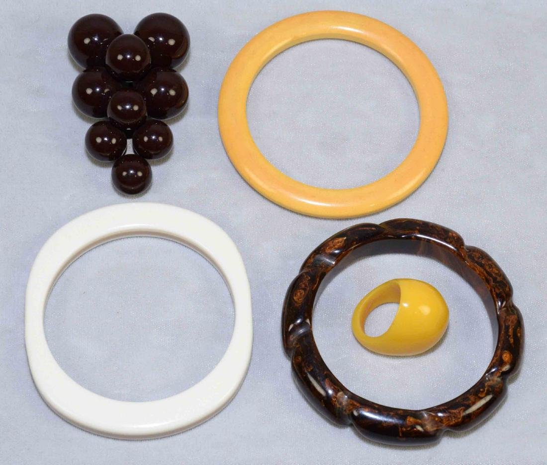 (5) PC. ASST. BAKELITE JEWELRY. Includes bracelets,