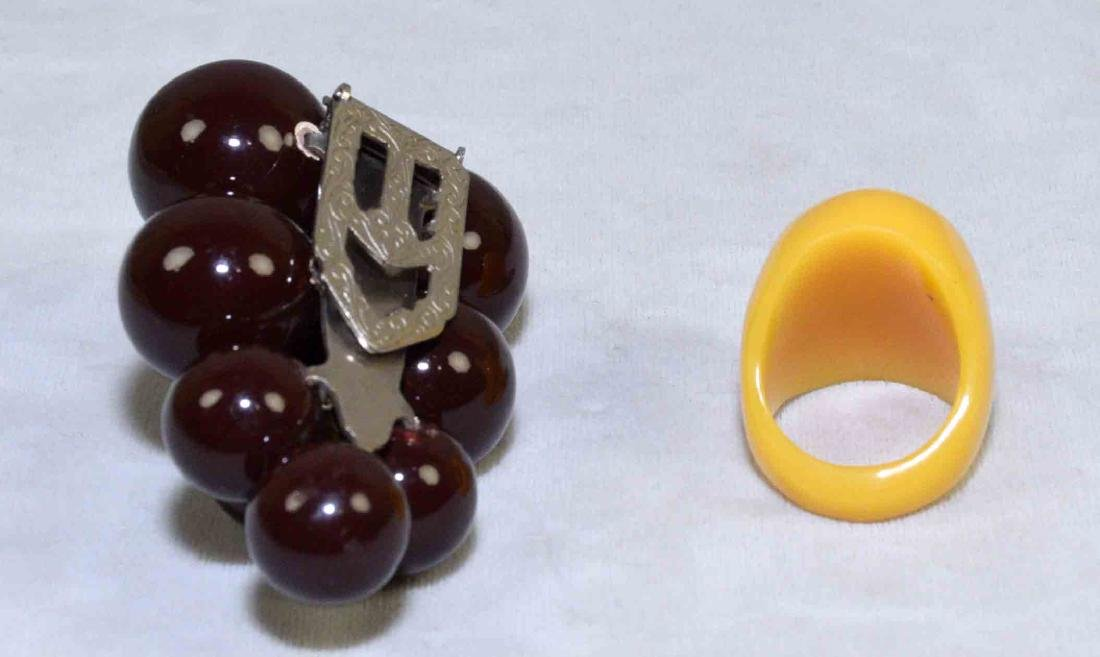 (5) PC. ASST. BAKELITE JEWELRY. Includes bracelets, - 4