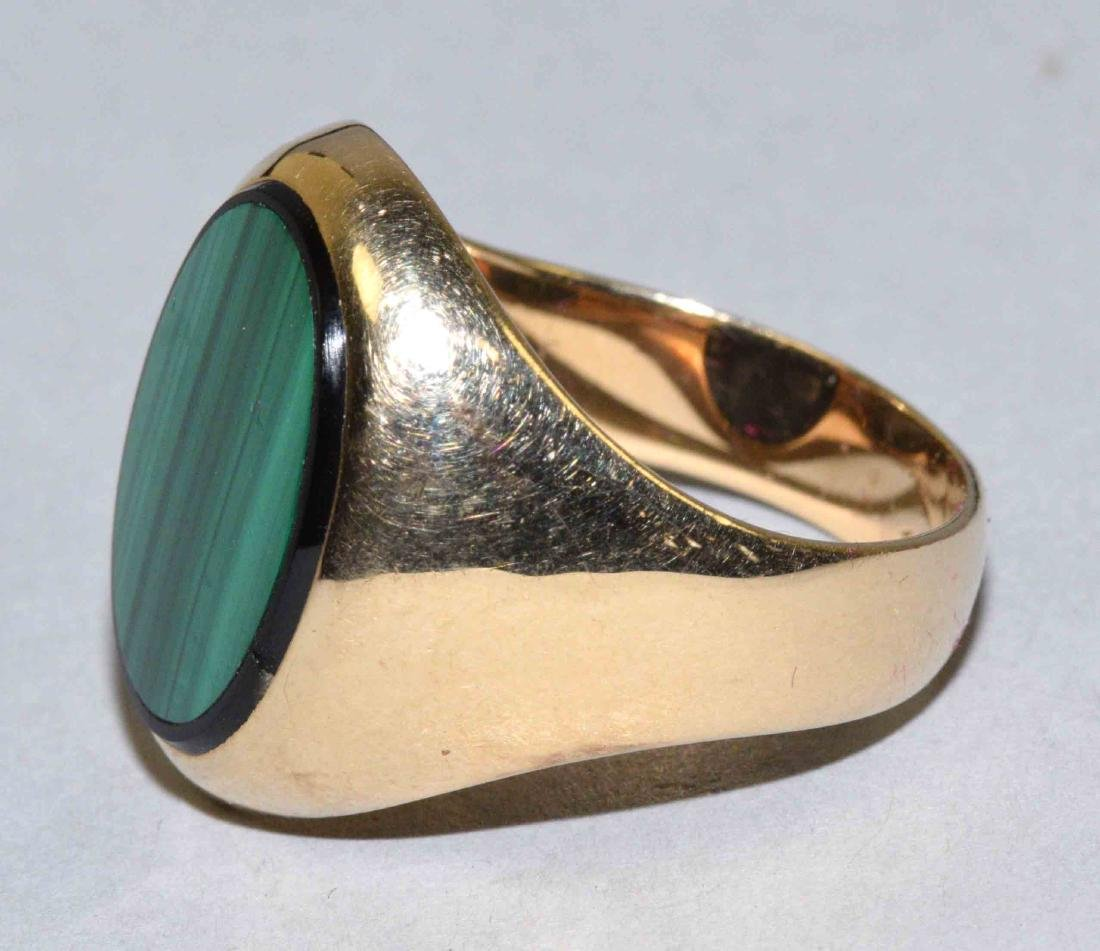 MENS MALACHITE AND 14K GOLD RING, weight 16 grams. - 2
