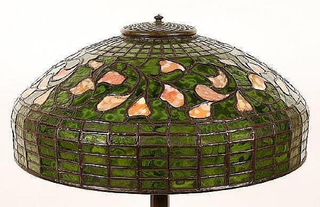 TIFFANY STUDIOS SWIRLING LEAF LEADED GLASS TABLE LAMP - - 5