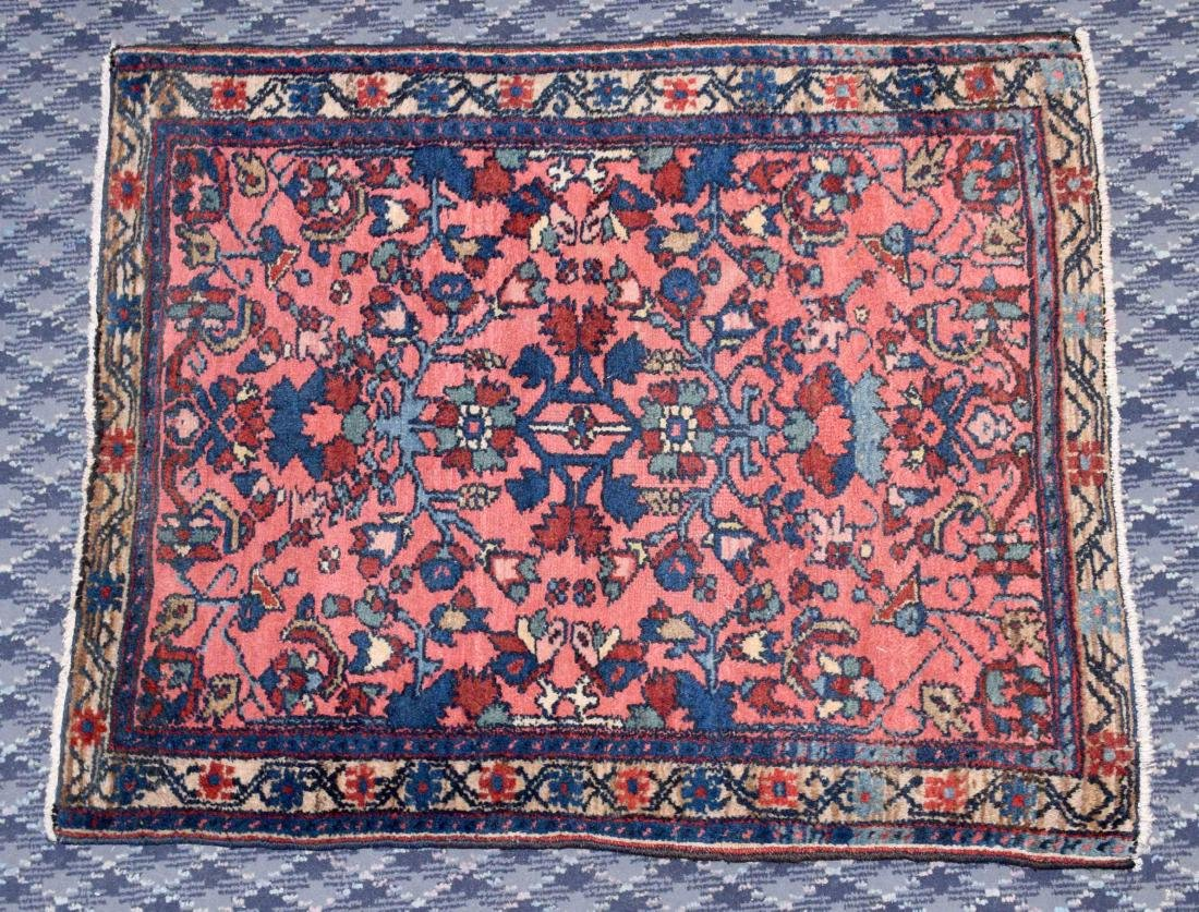 SEMI ANTIQUE PERSIAN RUG. 2'6'' X 2'.