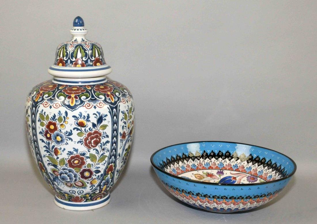 TWO DECORATIVE ITEMS including a covered Delft jar