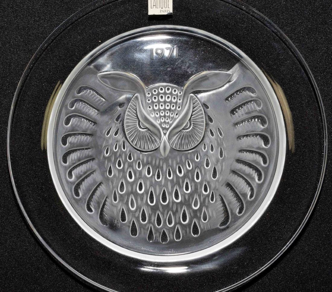 PAIR OF LALIQUE PLATES, dated 1970 and 1971. 8.25'' - 3