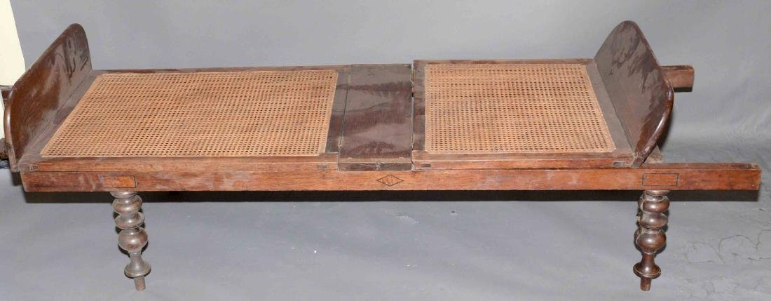 19TH C. CAMPAIGN DAYBED (Mid 19th c.) Mahogany and cane