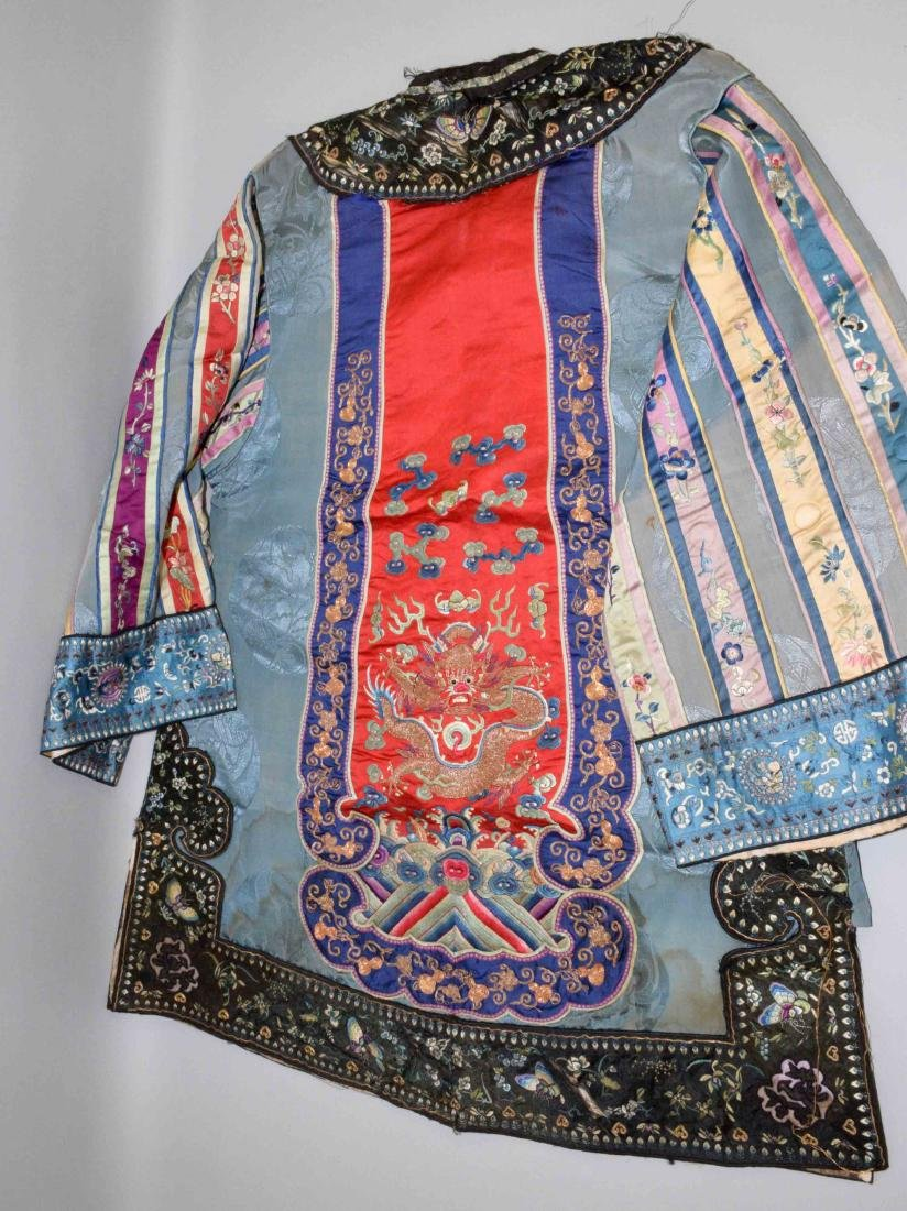 ANTIQUE CHINESE SILK EMBROIDERED KIMONO. - 5